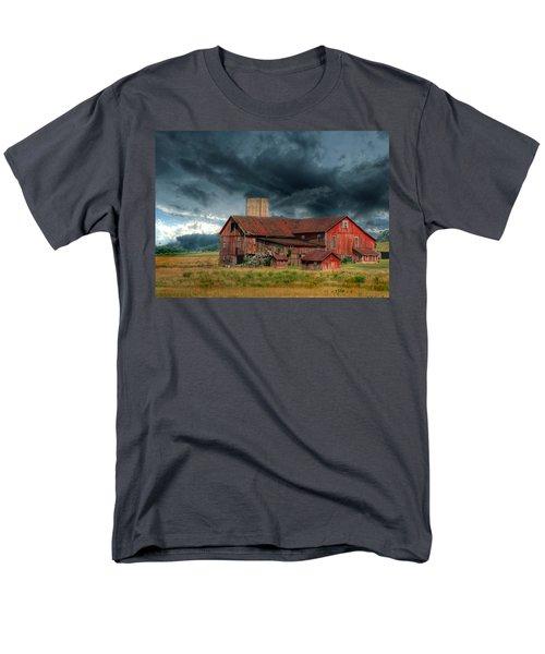 Weathering The Storm Men's T-Shirt  (Regular Fit) by Lori Deiter