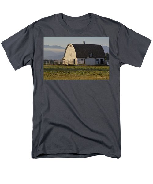 Men's T-Shirt  (Regular Fit) featuring the photograph Classic Barn Near Grants Pass by Mick Anderson
