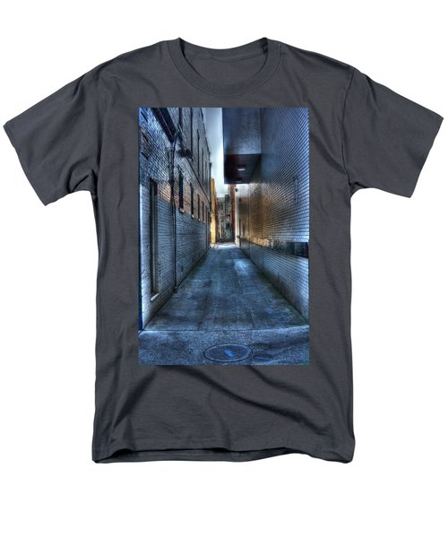 In The Alley Men's T-Shirt  (Regular Fit) by Dan Stone