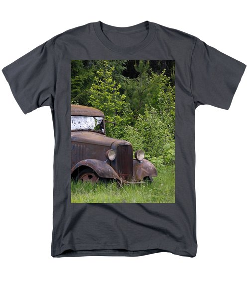 Men's T-Shirt  (Regular Fit) featuring the photograph Old Classic by Steve McKinzie