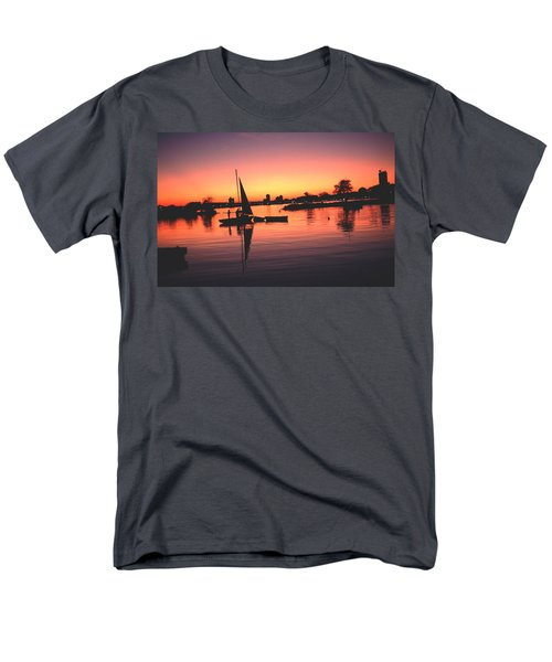 Sailing End Of The Day Backbay  Boston Men's T-Shirt  (Regular Fit) by Tom Wurl