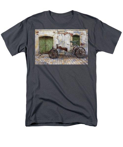 A Carriage On Crisologo Street 2 Men's T-Shirt  (Regular Fit)