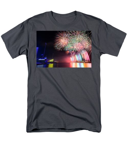 Boathouse Fireworks Men's T-Shirt  (Regular Fit)