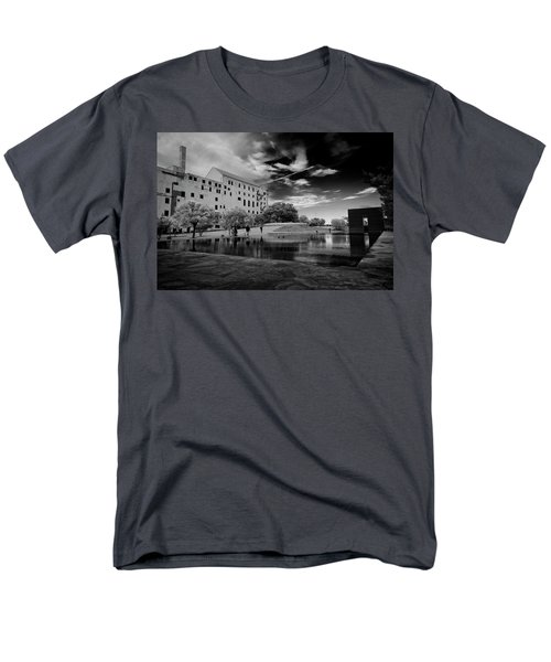 Okc Memorial Men's T-Shirt  (Regular Fit)