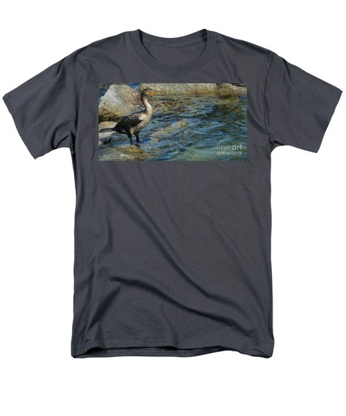 Men's T-Shirt  (Regular Fit) featuring the photograph Patiently Waiting by Pamela Blizzard