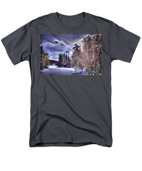 Men's T-Shirt  (Regular Fit) featuring the photograph The Beaver Brook Boathouse by David Patterson