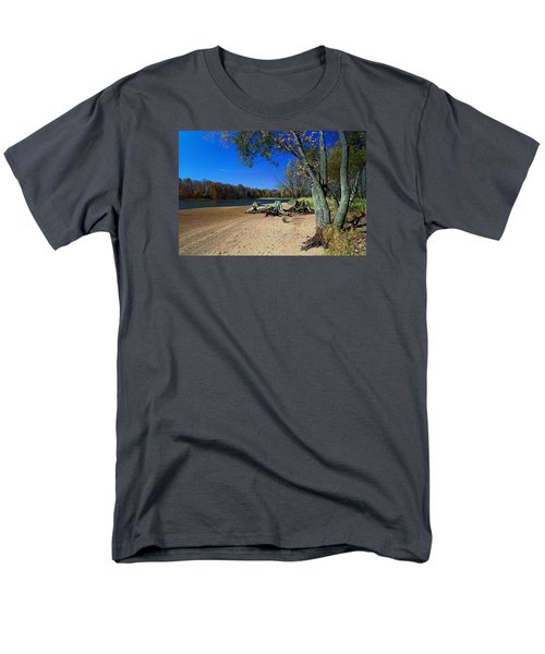 Men's T-Shirt  (Regular Fit) featuring the photograph The End Of Summer by Judy  Johnson