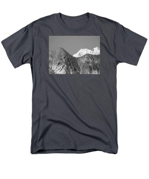 Winter Delight Men's T-Shirt  (Regular Fit)