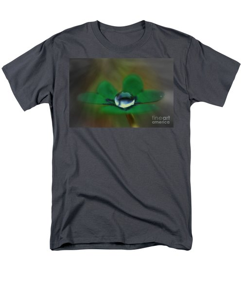 Abstract Clover Men's T-Shirt  (Regular Fit)