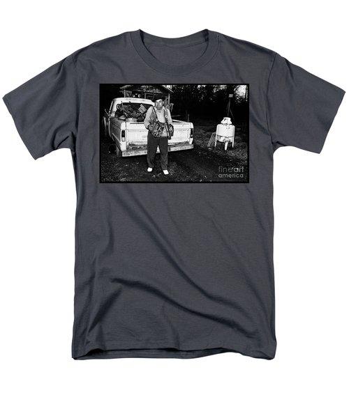 Accordion Scrapper Man  Men's T-Shirt  (Regular Fit)