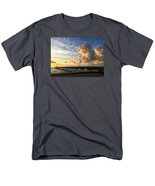 Big Cloud And The Pier, Men's T-Shirt  (Regular Fit)