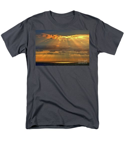 Men's T-Shirt  (Regular Fit) featuring the photograph Big Island Rays by DJ Florek