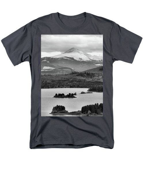 Men's T-Shirt  (Regular Fit) featuring the photograph Black And White Breckenridge by Dan Sproul