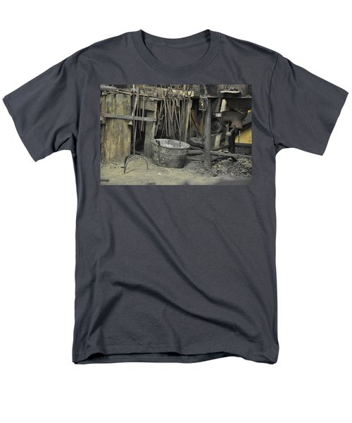 Blacksmith's Bucket Men's T-Shirt  (Regular Fit) by Jan Amiss Photography