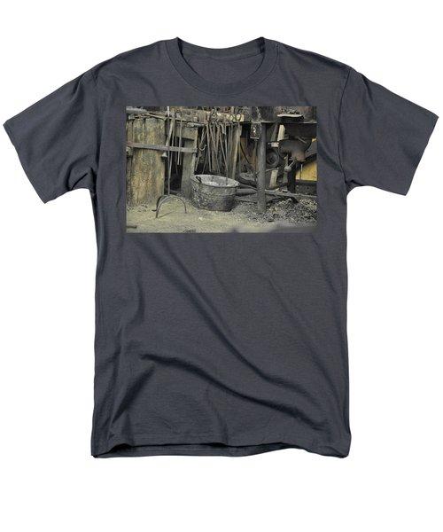 Blacksmith's Bucket Men's T-Shirt  (Regular Fit)
