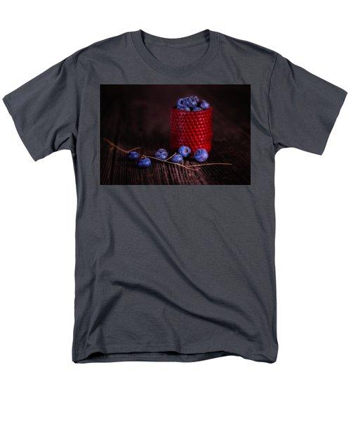 Men's T-Shirt  (Regular Fit) featuring the photograph Blueberry Delight by Tom Mc Nemar