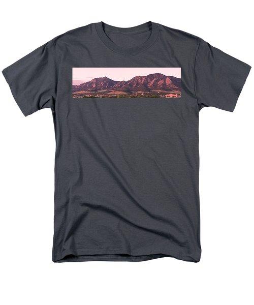 Boulder Colorado Flatirons 1st Light Panorama Men's T-Shirt  (Regular Fit)