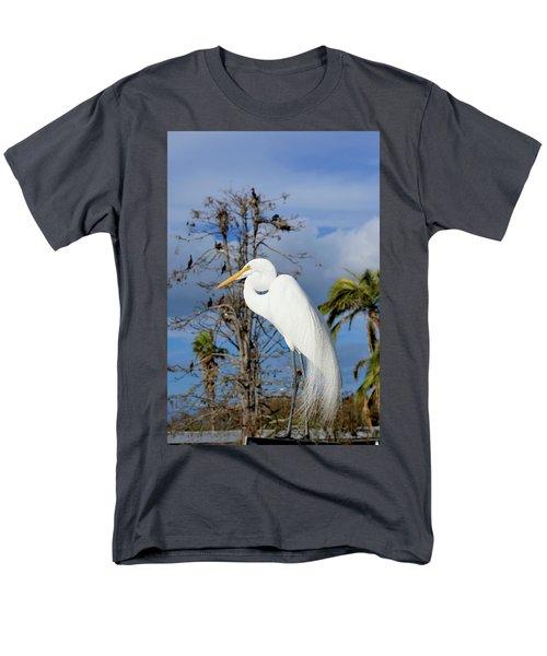 Breezy Egret Men's T-Shirt  (Regular Fit) by Josy Cue