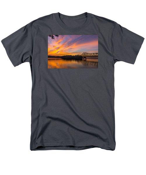 Browns Bridge Sunset Men's T-Shirt  (Regular Fit)