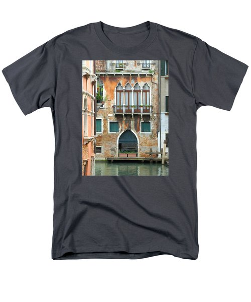 Buildings Of Venice Men's T-Shirt  (Regular Fit) by Lisa Boyd