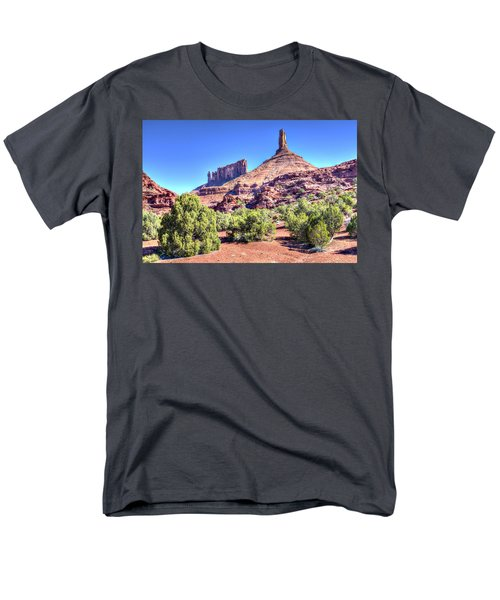 Men's T-Shirt  (Regular Fit) featuring the photograph Castleton Tower by Alan Toepfer