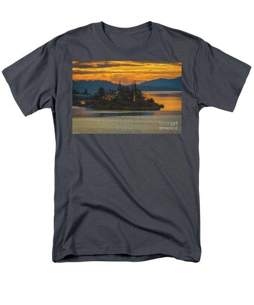 Clearlake Gold Men's T-Shirt  (Regular Fit)