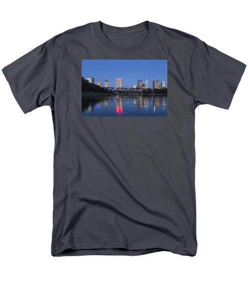 Men's T-Shirt  (Regular Fit) featuring the photograph Columbus Evening Sky by Alan Raasch