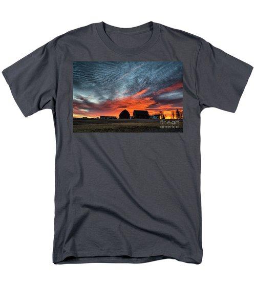 Country Barns Sunrise Men's T-Shirt  (Regular Fit)