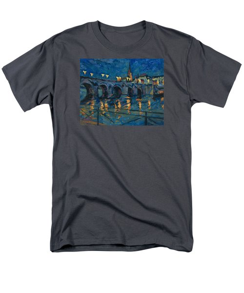 December Lights Old Bridge Maastricht Men's T-Shirt  (Regular Fit)
