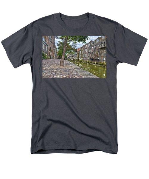 Dordrecht Behind The Church Men's T-Shirt  (Regular Fit) by Frans Blok