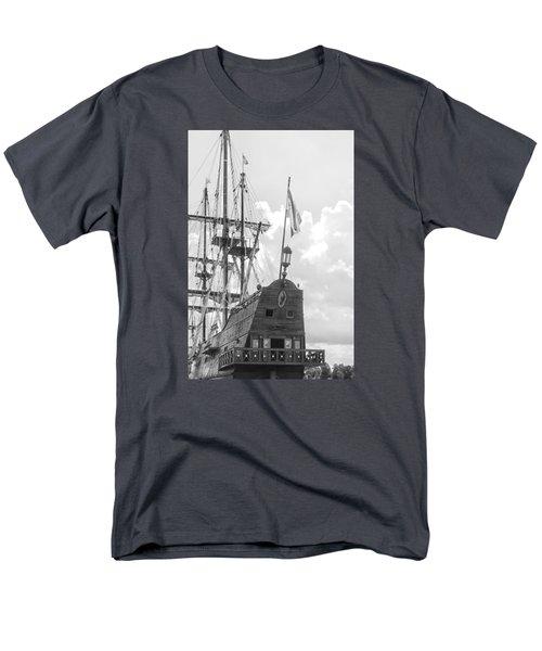 El Galeon Men's T-Shirt  (Regular Fit) by Bob Decker