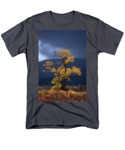 Facing The Storm Men's T-Shirt  (Regular Fit) by Edgars Erglis