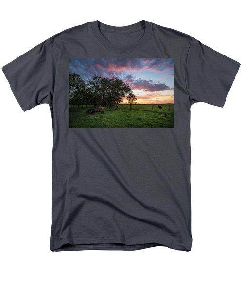 Farm View  Men's T-Shirt  (Regular Fit)
