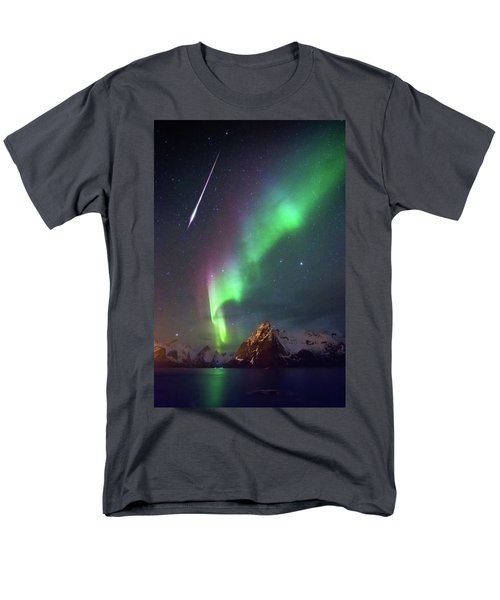 Fireball In The Aurora Men's T-Shirt  (Regular Fit)