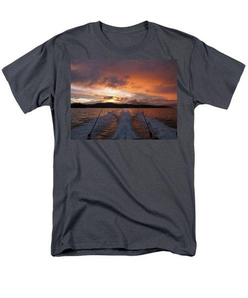 Fishing In The Sun Men's T-Shirt  (Regular Fit)