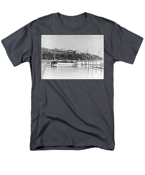 Men's T-Shirt  (Regular Fit) featuring the photograph Fort George Amusement Park by Cole Thompson