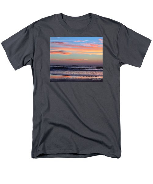 Gator Sunrise 10.31.15 Men's T-Shirt  (Regular Fit) by LeeAnn Kendall