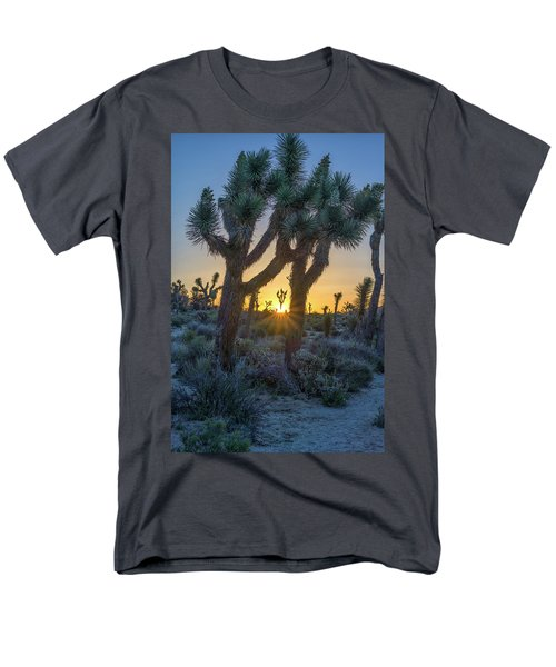 Good Morning From Joshua Tree Men's T-Shirt  (Regular Fit)