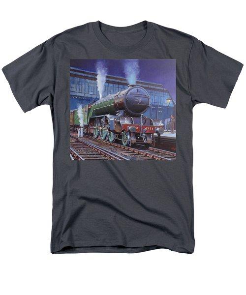Gresley Green Arrow Class. Men's T-Shirt  (Regular Fit) by Mike  Jeffries