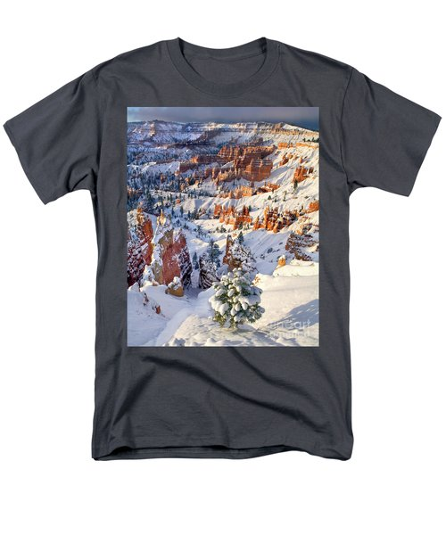 Men's T-Shirt  (Regular Fit) featuring the photograph Hoodoos And Fir Tree In Winter Bryce Canyon Np Utah by Dave Welling