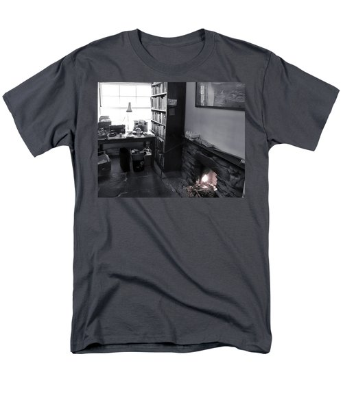 Men's T-Shirt  (Regular Fit) featuring the photograph In From The Cold by Keith Elliott