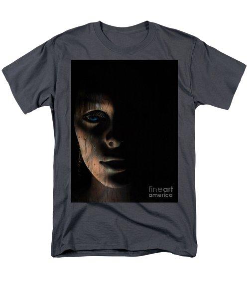 In The Dark Men's T-Shirt  (Regular Fit)