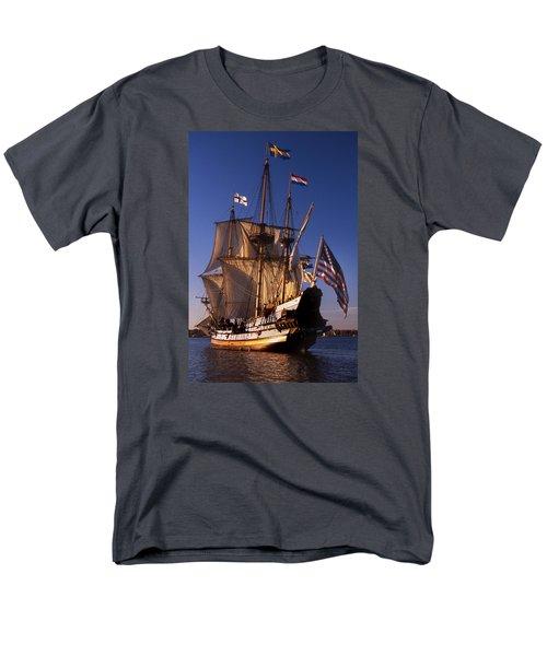 Kalmar Nyckel Men's T-Shirt  (Regular Fit) by Skip Willits