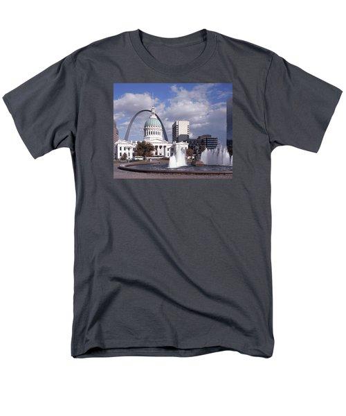 Kiener Plaza - St Louis Men's T-Shirt  (Regular Fit) by Harold Rau