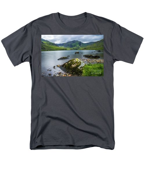 Llyn Ogwen Glyder Fawr Men's T-Shirt  (Regular Fit) by Ian Mitchell