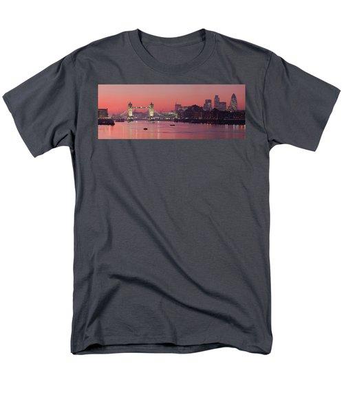 London Thames Men's T-Shirt  (Regular Fit) by Thomas M Pikolin