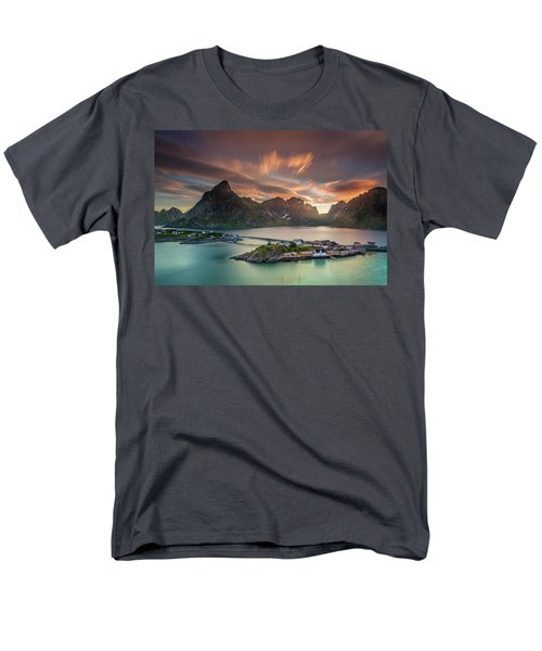 Midnight Sun Galore Men's T-Shirt  (Regular Fit)