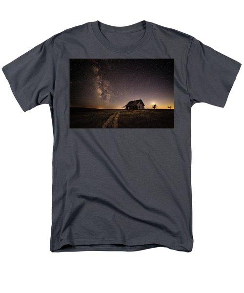 Milky Way Over Prairie House Men's T-Shirt  (Regular Fit)