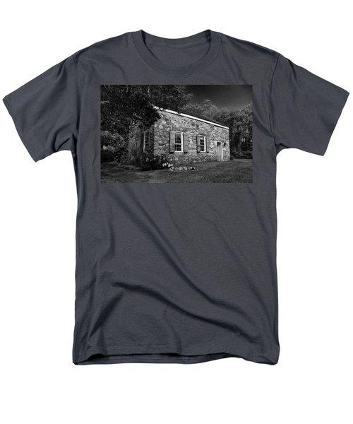 Neldon - Roberts Stonehouse Montague New Jersey Black And White Men's T-Shirt  (Regular Fit)