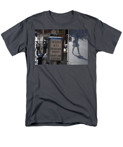 Men's T-Shirt  (Regular Fit) featuring the photograph Nyc Drinking Water by Rob Hans
